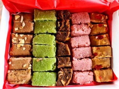 Traditional Sweet Box